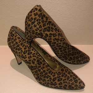 New Bloomingdales Leopard Shoes